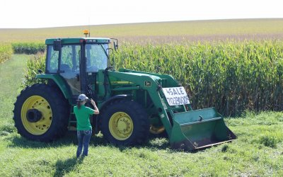 Farmbid Farm Equipment Auctions Can Help Salespeople And Auctioneers Find Success